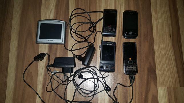 Telefony i navigacja uszkodzone.