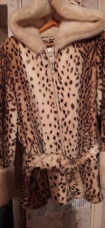 Продам леопардовый полушубок из французского искусственного меха.