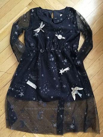 Красивое кружевное платье с пайетками и вышивкой от НМ