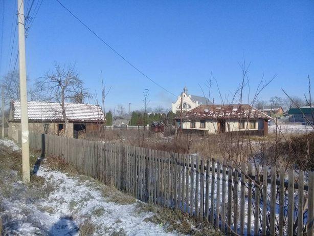 Продається старий житловий будинок із земельною ділянкою
