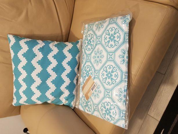 2 almofadas brancas com efeitos em azul marinho / turquesa