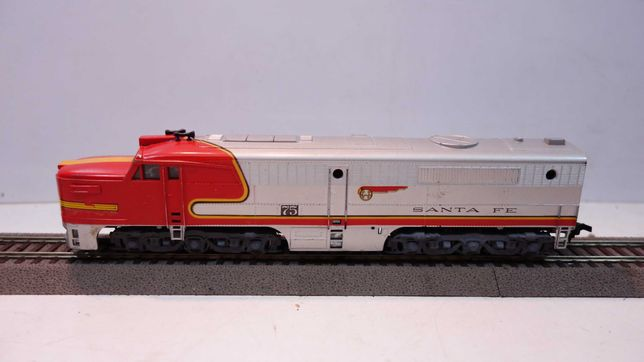 Lokomotywa diesel Arthearn  Santa Fe 75 skala H0  //182