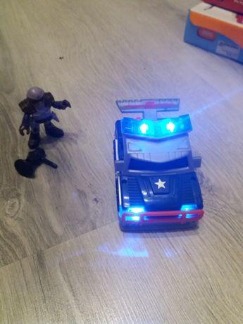 Karetka, radiowóz, dźwięk, światło, kierowca.