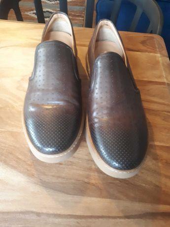 Casualowe buty Vistula - rozmiar 43.
