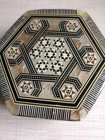 Шкатулка для украшений из Египта