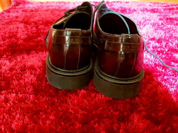 Sapatos Aldo bordo