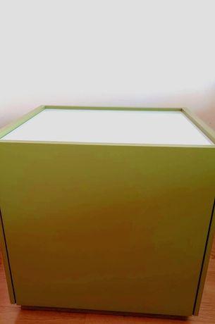 Pequeno móvel/ garrafeira/ mesa de cabeceira (verde tropa)