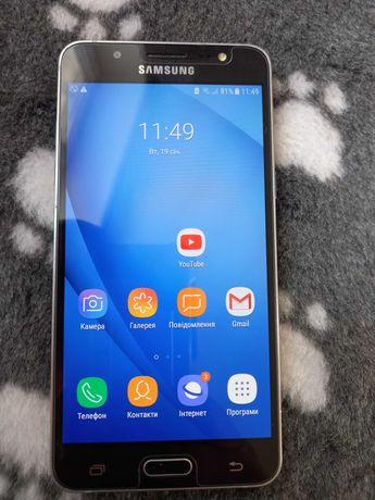 Мобільний телефон Самсунг Galaxy J5