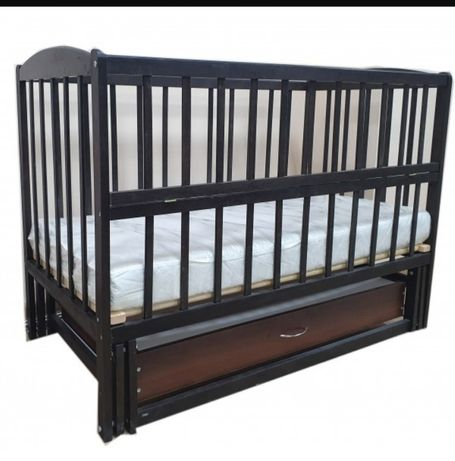 Детская кроватка-маятник,матрас,непромокаемая пелёнка