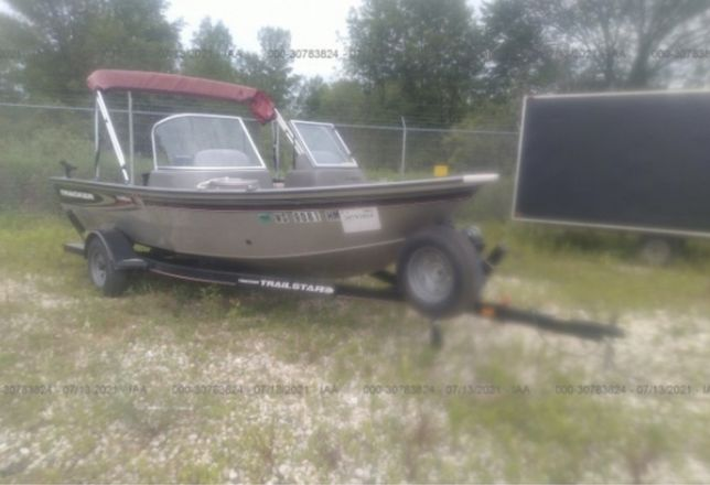 Лодка Tracker targa v17
