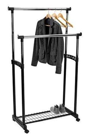 вешалка на колесах для одежды