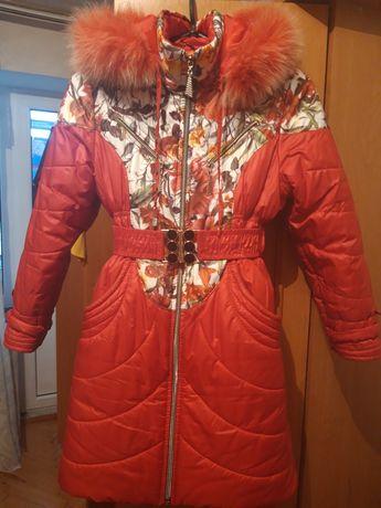 Куртка зимова для дівчинки на ріст 128 см