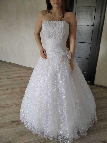 Плаття весільне стильне. Терміново.