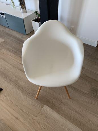 Krzesła kubekowe, salonowe, śliczne