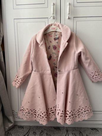 Пальто на девочку, 116 размер