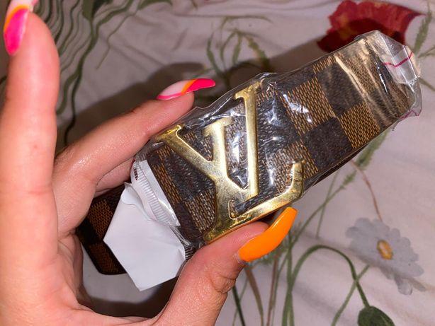 Cinto Louis Vuitton novo
