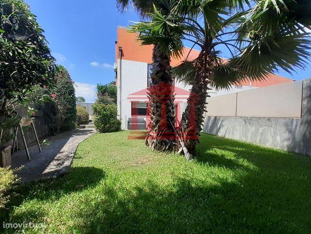 Moradia V3 Com Jardim