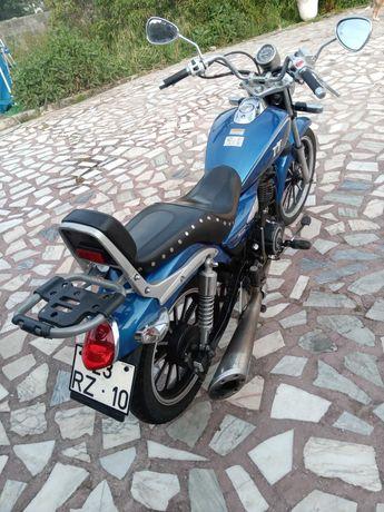 Vendo mota mirage Triton