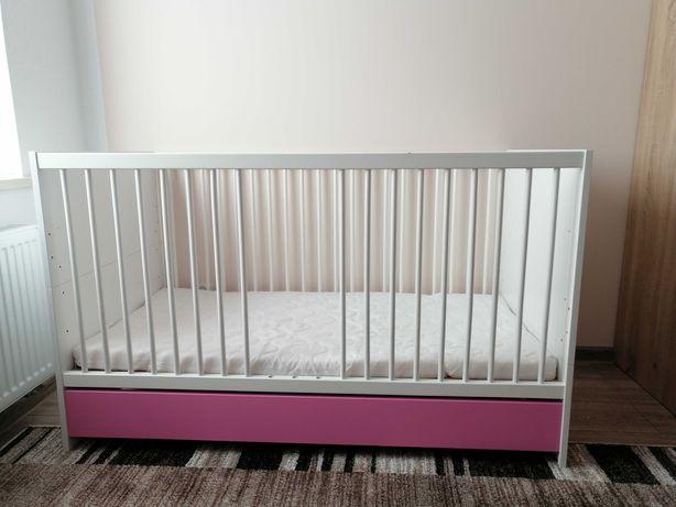 Łóżeczko dziecięce + komoda z przewijakiem