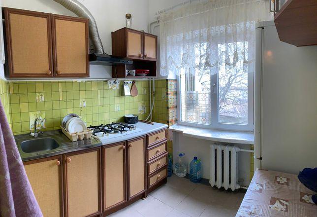 2-кімн квартира з ремонтом, меблями та технікою по вул.Комарова