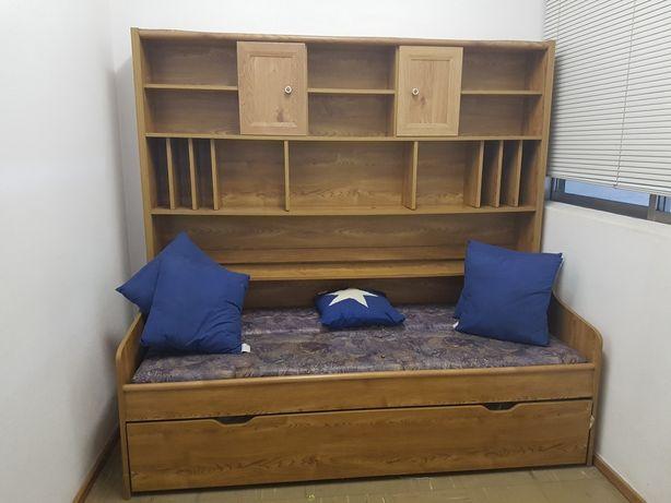 Sofa cama, com cama dupla,colchao,arrumação superior