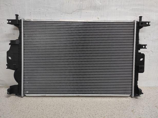 Ford Fusion 2013-2017 радиатор охлаждения DG9Z-8005-D