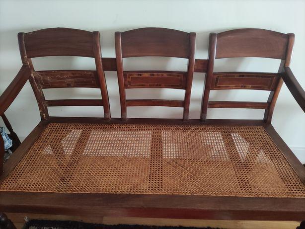 Canapé e duas cadeiras