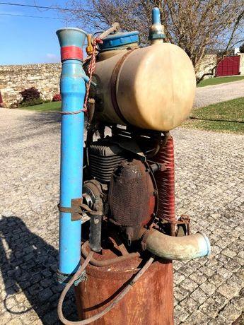 Pulverizador motorizado Antigo