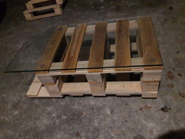 Меблі з піддонів столик