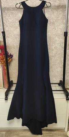 Потрясающее вечернее платье рыбка синего цвета с шикарной спинкой