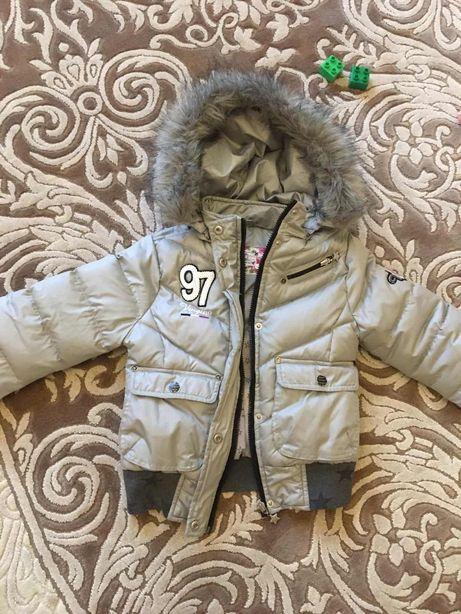 Зимняя осенняя куртка на девочку 6-9 лет