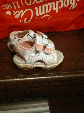 Sandałki dla dziewczynki rozmiar 19