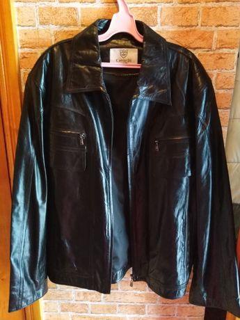 Продам осеннюю кожанную мужскую куртку