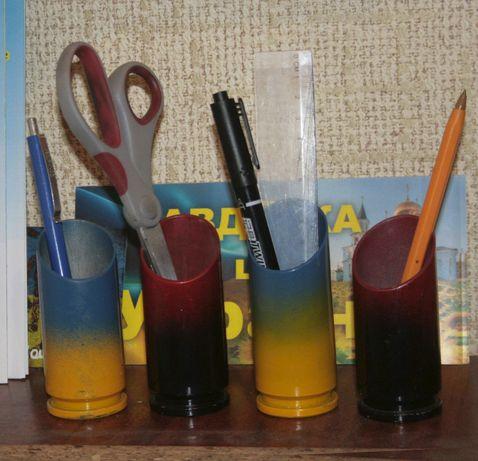 Підставка для олівців із гільзи