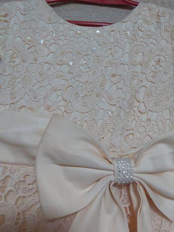 Sukienka dziewczęca r 122-128
