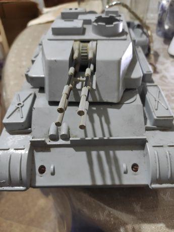 Игрушка СССР зенитная самоходная установка Шилка