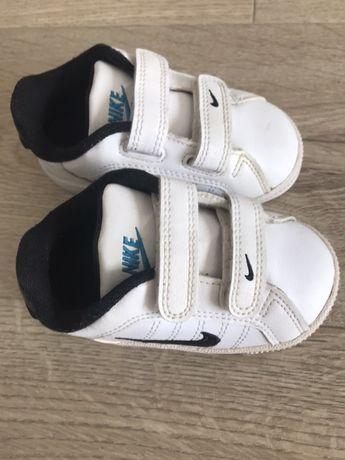 Adidasy buty oryginalne Nike skórzane 21.5 wkładka 11.5 stan idealny