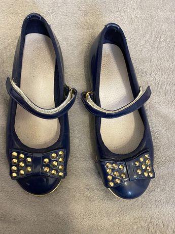 Сині туфельки для дівчинки