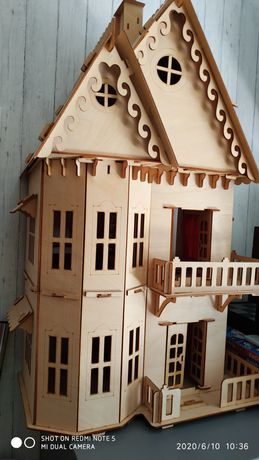 Деревянный домик-конструктор для кукол