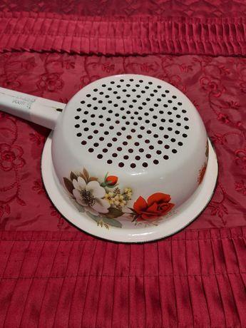 Посуда эмалированная дуршлаг с деколью
