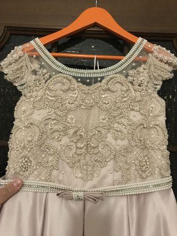 Продам очень красивое выпускное платье!