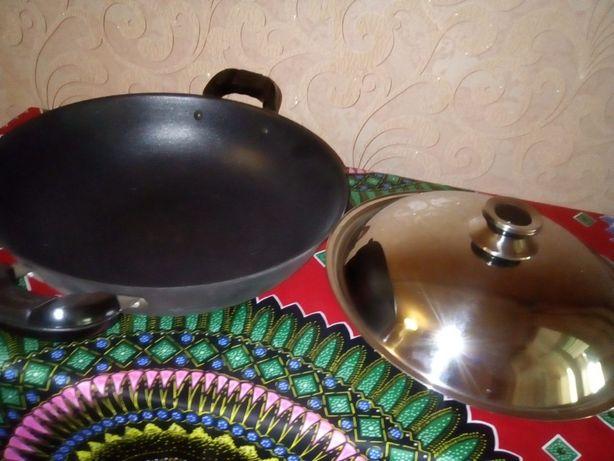 Сковорода 32 см Wok Peterhof