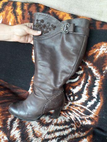 Шкіряні жіночі чоботи