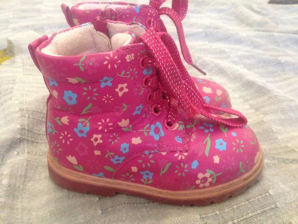 Продам ботиночки осень , весна для девочки
