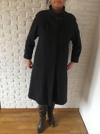 Шерстяное пальто производства Германия премиум класса