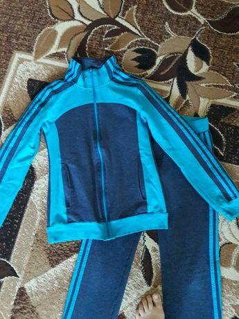 Спортивный костюм ( трикотаж)