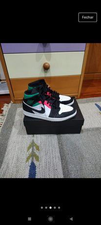 Air Jordan 1 mid SE green