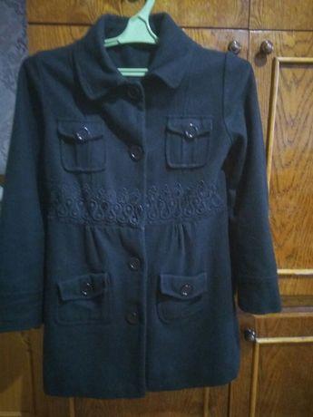 Пальто на дівчинку 10-11 років