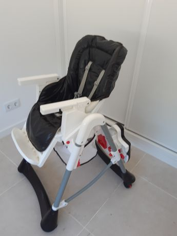 Cadeira alta de refeição para bebé
