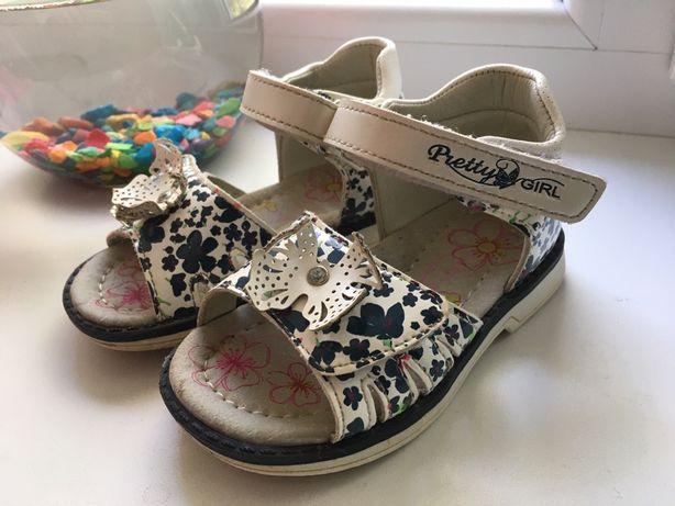 Босоножки, сандали для девочки